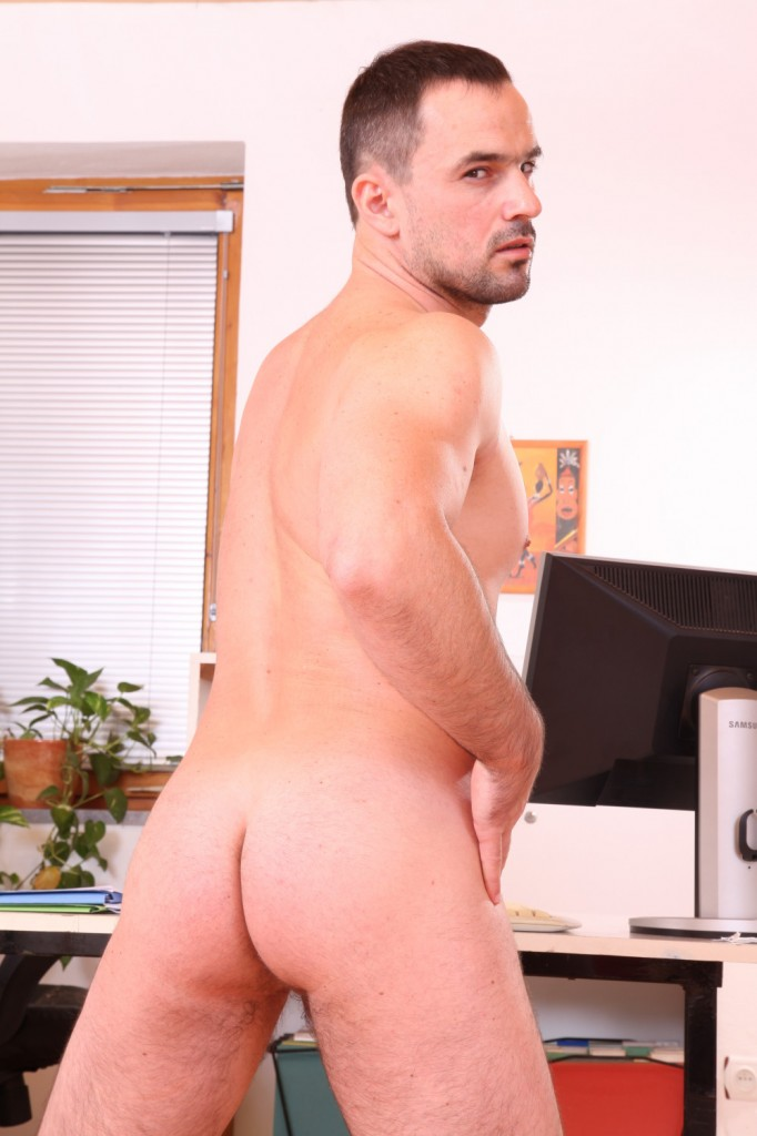 19 9 682x1024 Tattooed Blond John Parker Fucks Older Bro Type Andy West Bareback