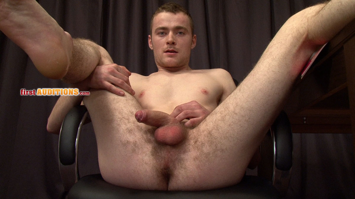 0129 Straight Amateur Mick Makes His First Audition for Porn