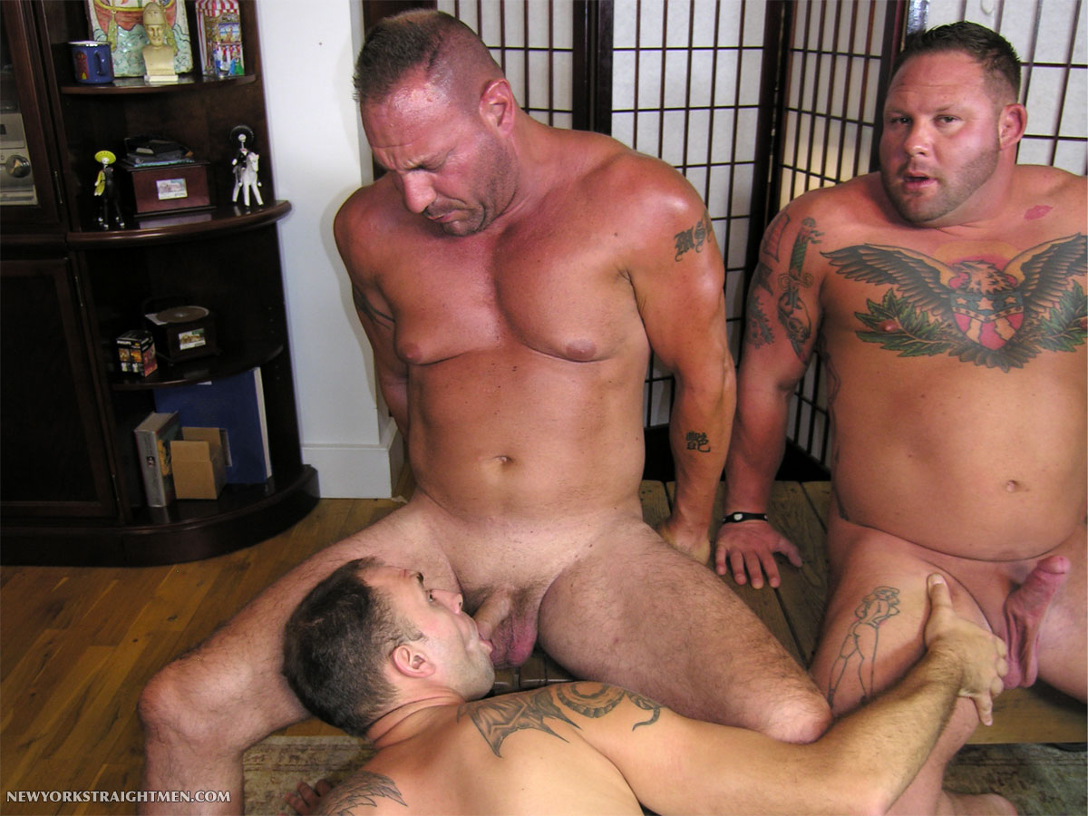 NewYorkStraightMen-Rocco-and-Magnus-torrent-11 Two Straight Big Muscle Guys Get Serviced By An Obedient Cocksucker
