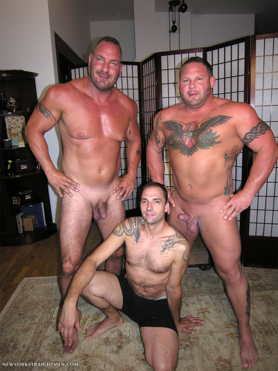 NewYorkStraightMen-Rocco-and-Magnus-torrent-13 Two Straight Big Muscle Guys Get Serviced By An Obedient Cocksucker