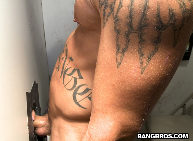 Ungloryhole-Straight-Jock-Gets-Cock-Sucked-06 Straight Amateur Muscle Guy Gets Tricked at the Gloryhole