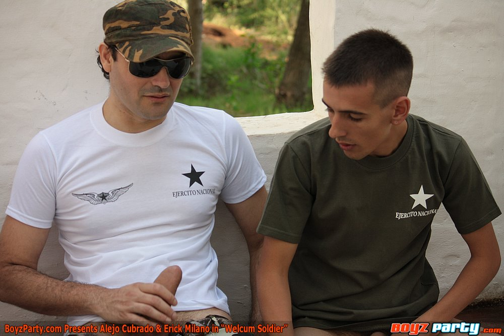 Boyz-Party-Erick-Milano-Alejo-Cubrado-uncut-11 Huge Amateur Uncut Military Cock Breeds a Hot Uncut Bottom