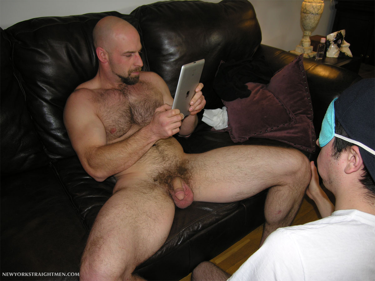 New-York-Straight-Men-Derick-hairy-muscle-rimmed-09 Sexy Amateur Straight Hairy Muscle Blue Collar Stud Gets Serviced