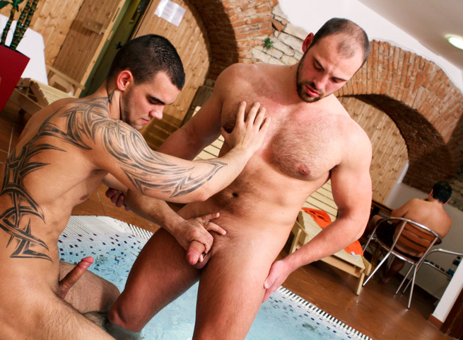 Big Daddy Tomm Out in Public Bareback Fucking at a Bath house 06 Hairy Muscle Tomm Finds a Young Stud At The Bath House To Bareback Him