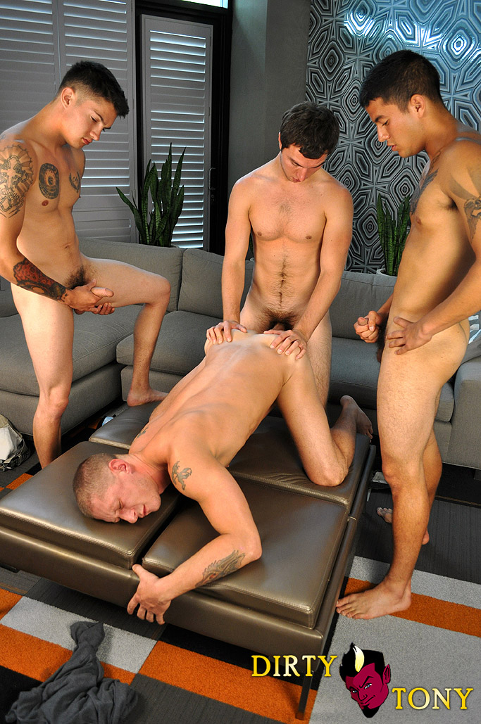 Dirty Tony Tyler Griz and America and Joey and Timo four way amateur gay sex big cock cum bath 02 Three Amateur Studs Fuck Their Buddy And Give Cum Facials