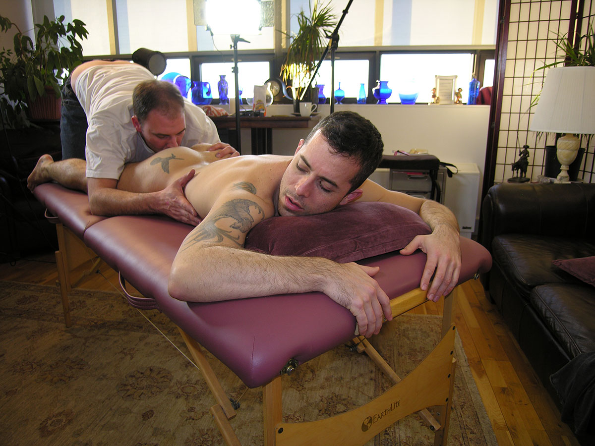 New York Straight Men Aaron Straight Guy Gets Massage Rimming Blowjob by a gay guy 08 Straight Amateur New Yorker Gets A Massage, Rim Job and Blow Job
