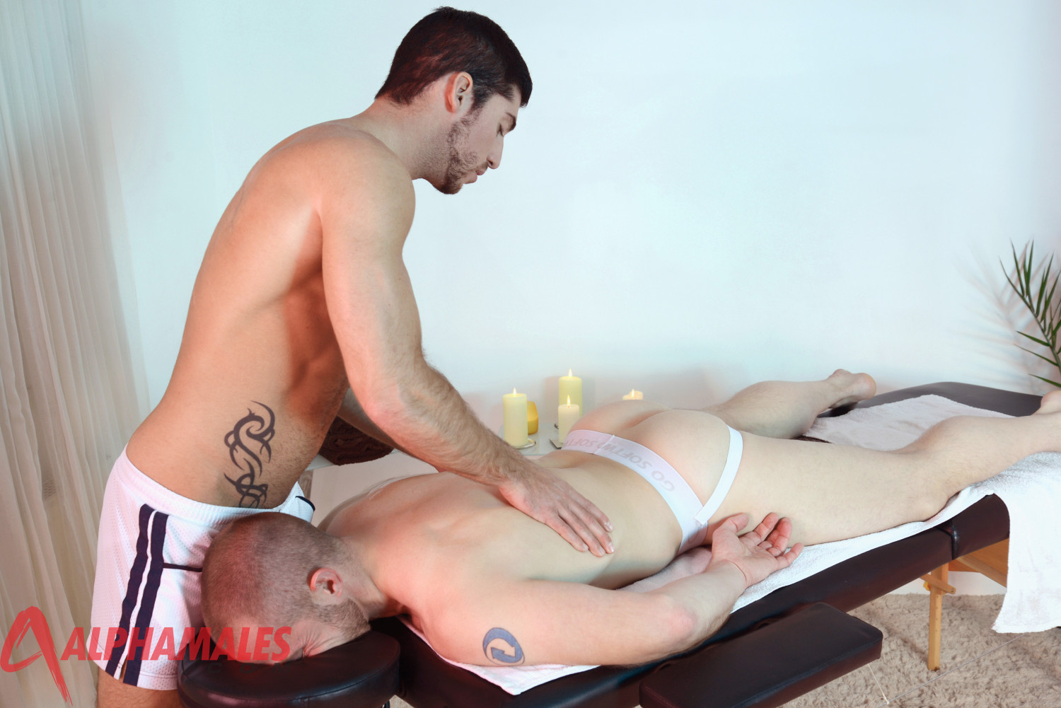 Beefy Straight Guy Seduced By Masseur
