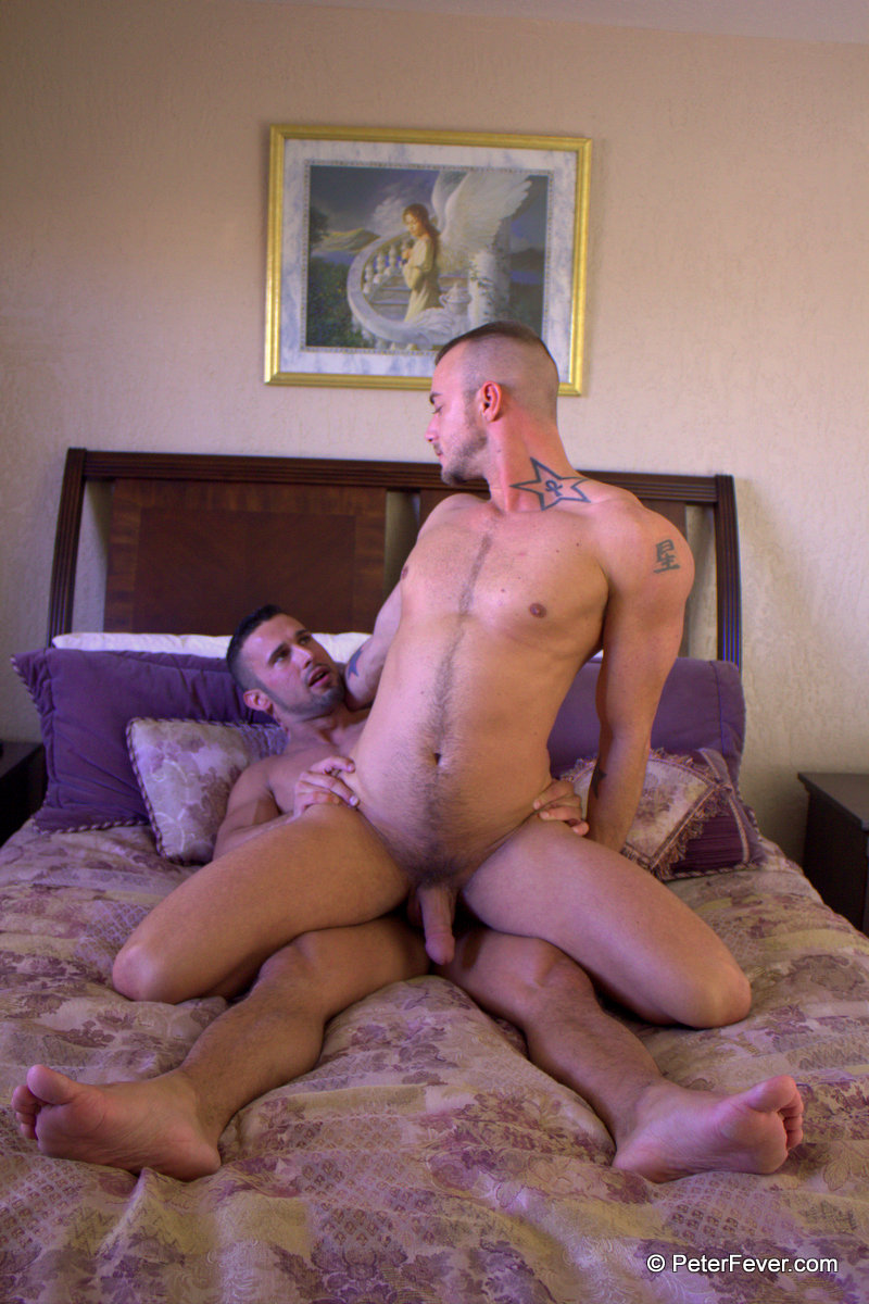 Peter-Fever-Diego-Vena-and-Jessie-Colter-muscle-guys-fucking-Amateur-Gay-Porn-17 Amateur Muscle Stud Hires a Muscle Call Boy - Reality Gay Porn