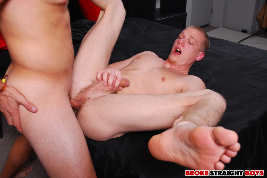Broke-Straight-Boys-JOHNNY-FORZA-and-TYLER-BLAZE-straight-redhead-barebacking-Amateur-Gay-Porn-17 Amateur Straight Redhead Muscle Stud Gets Barebacked For A Little Cash