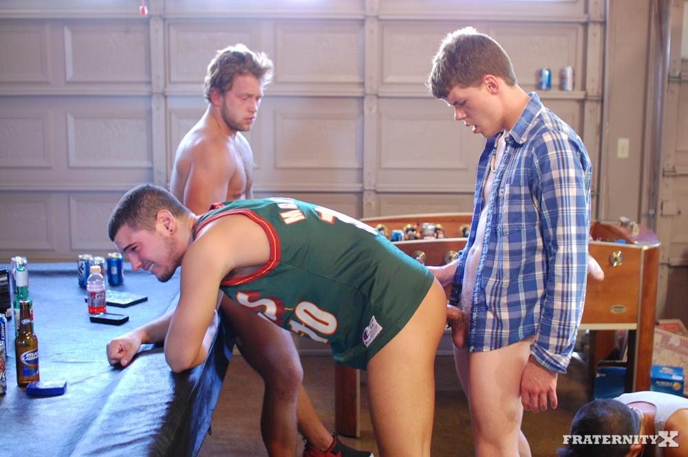 Fraternity X Straight Frat Boys Barebacking Amateur Gay Porn 10 Muscle Hairy Daddy Fucks a Hot Young Twink