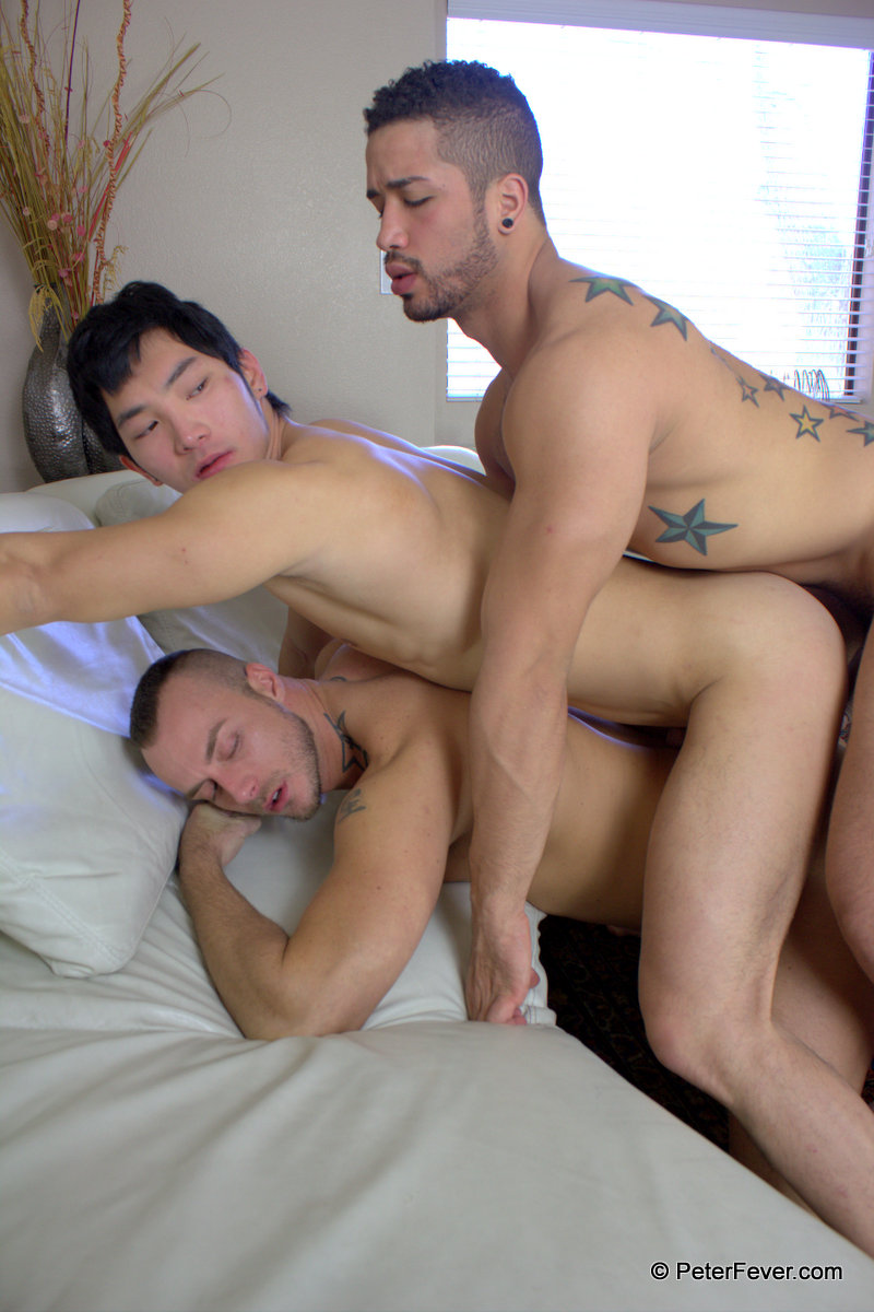 hot gay threesome with sexy ass fucking