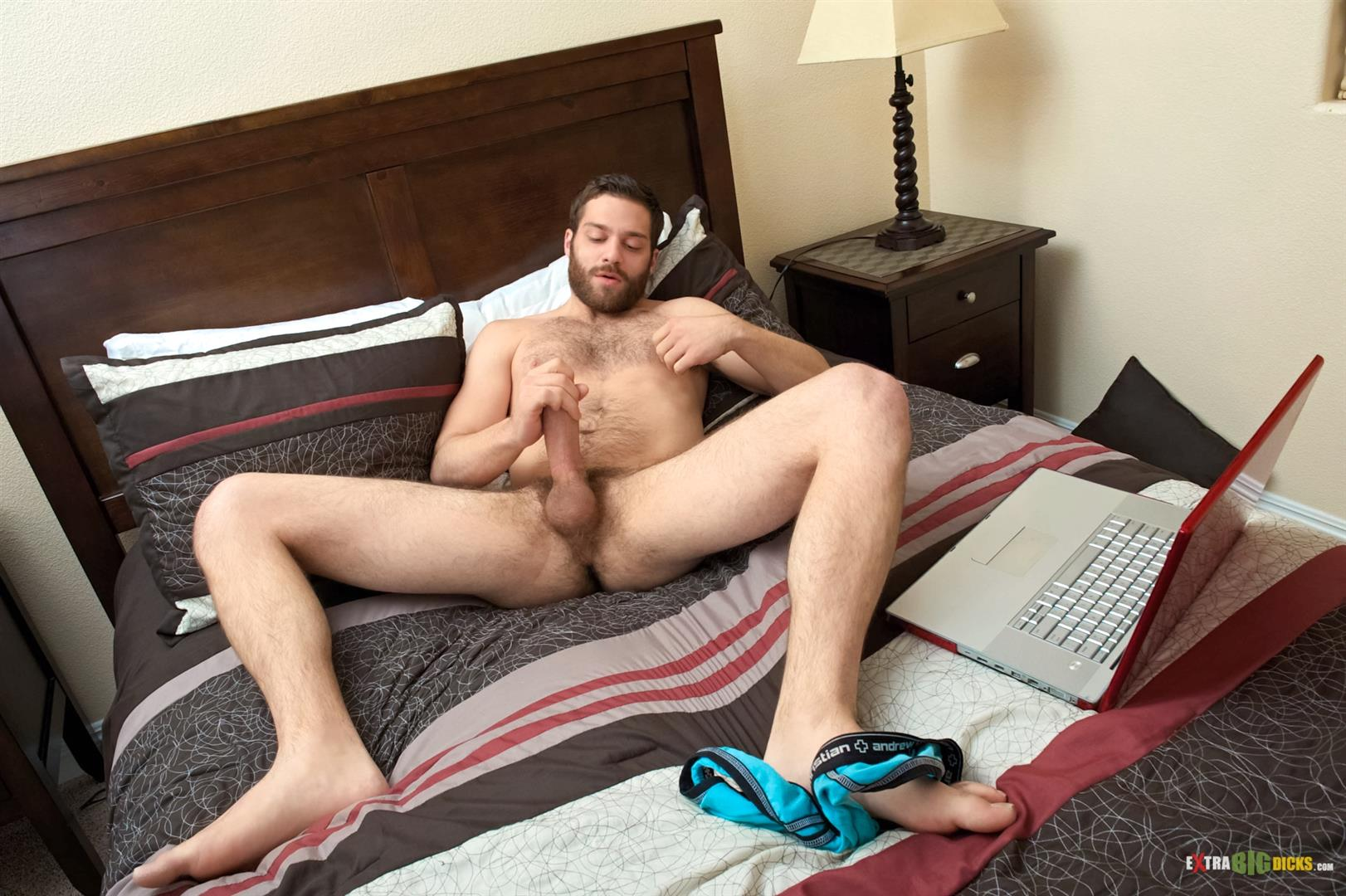 solo guy dropping pants for cock jerking