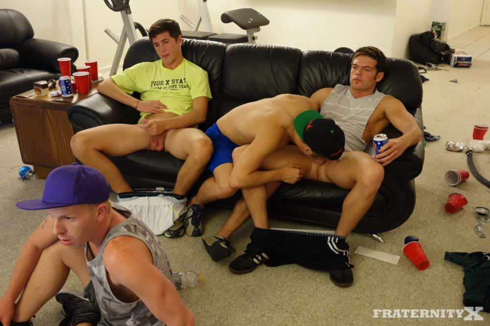 Frat Guys Sucking Dick