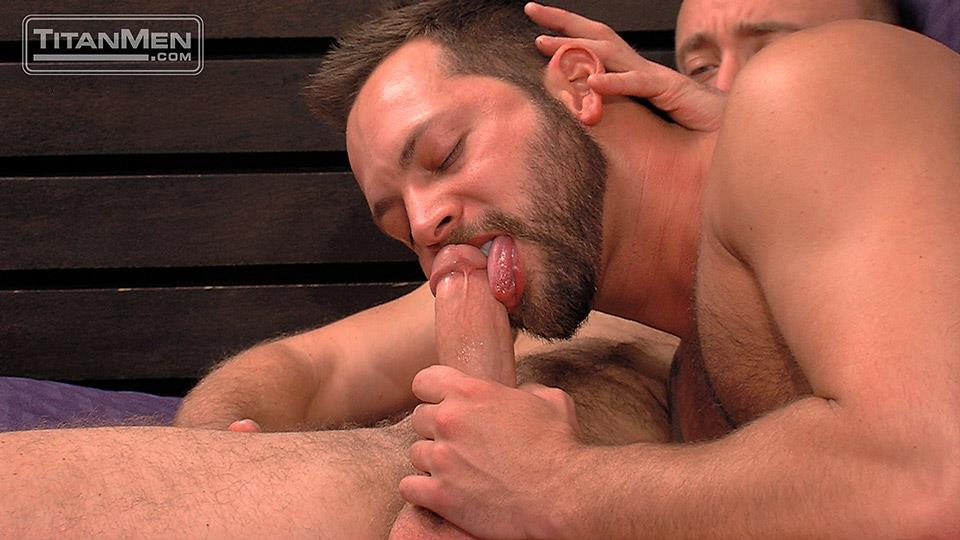 Getting suck and hairy anal fuck by older gay