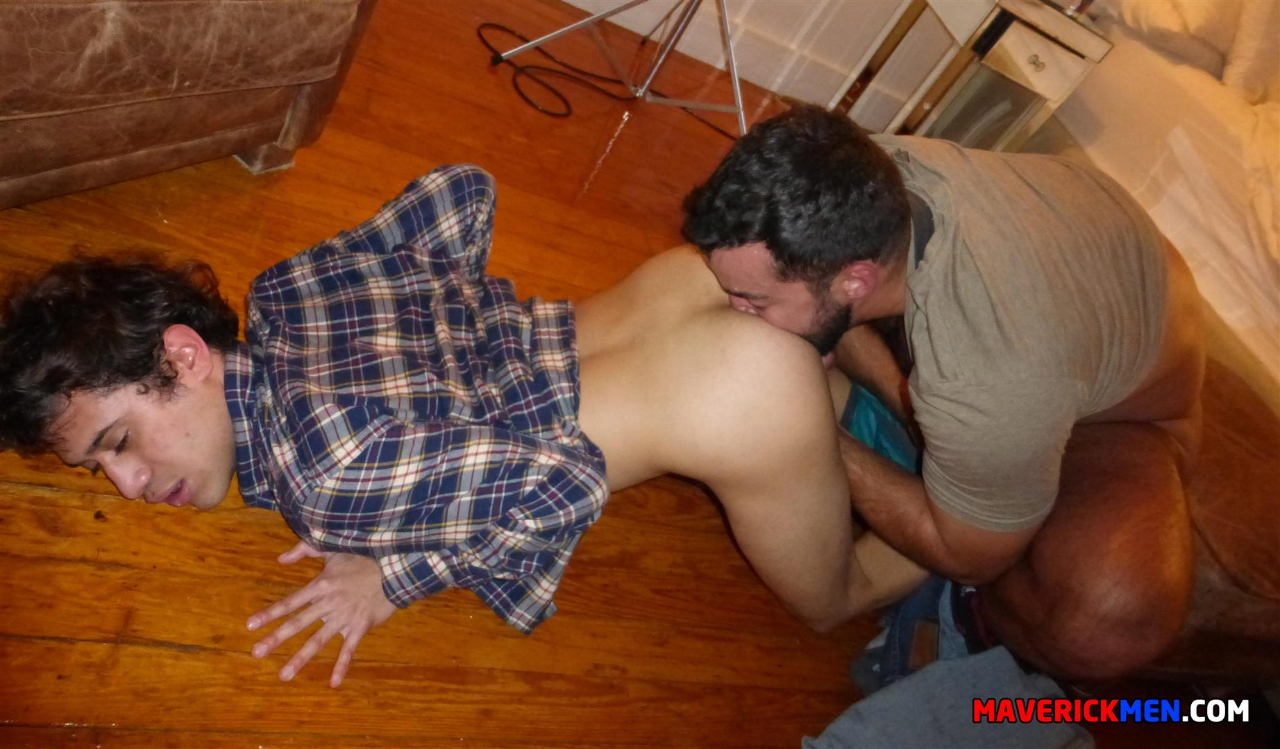 Interracial muscle gay sex