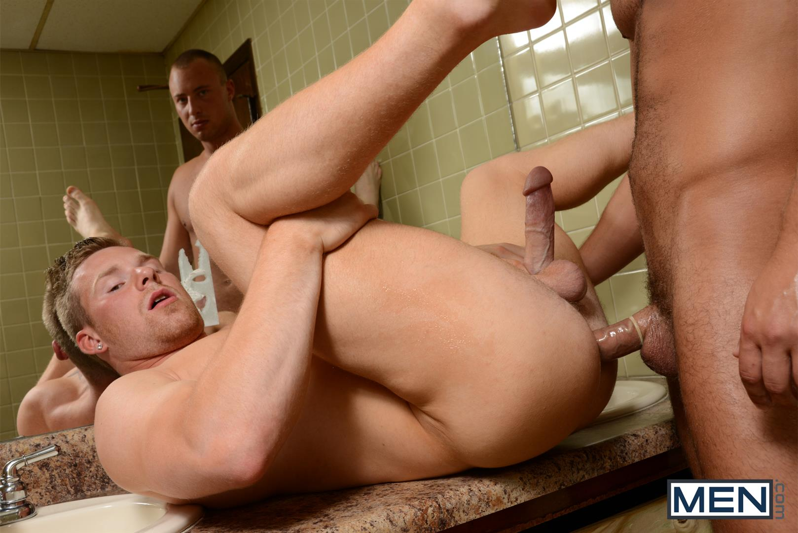 Men.com Dustin Tyler and Owen Michaels Str8 to Gay Fucking In A Park Restroom Cruising Amateur Gay Porn 10 Straight Guy Gets Fucked In The Ass While Cruising A Park Restroom