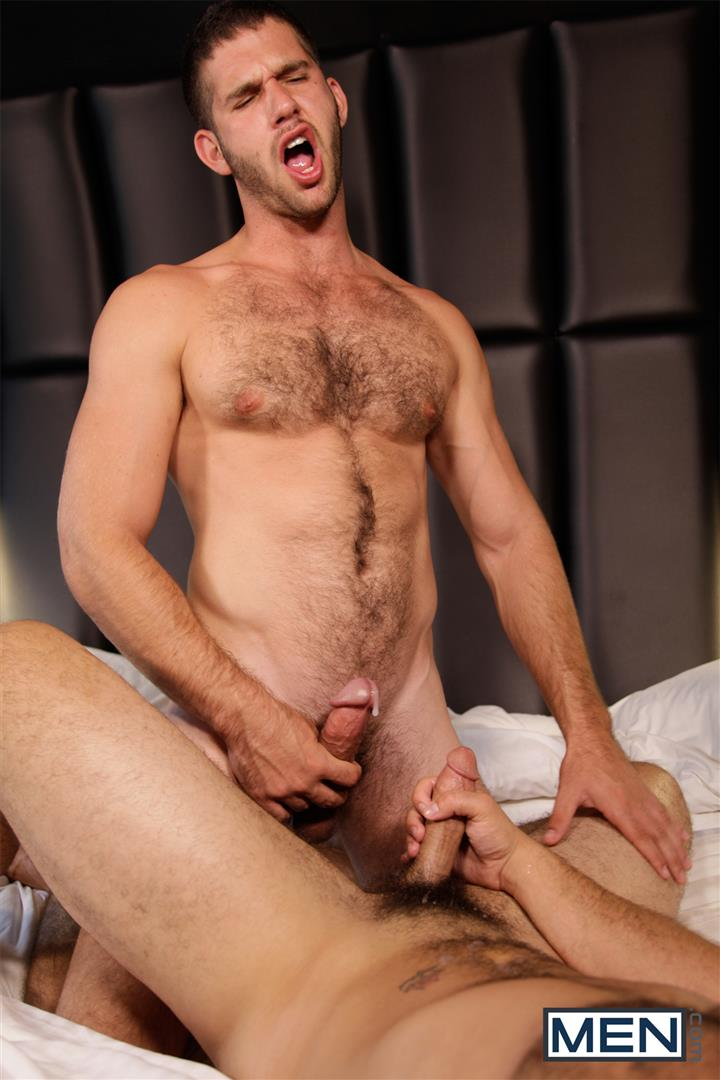 Men-Derek-Atlas-and-Jimmy-Fanz-Hairy-Muscle-Hunks-Big-Cocks-Fucking-Amateur-Gay-Porn-19 Hairy Muscle Hunk Derek Atlas Bottoms For Big Cock Jimmy Fanz