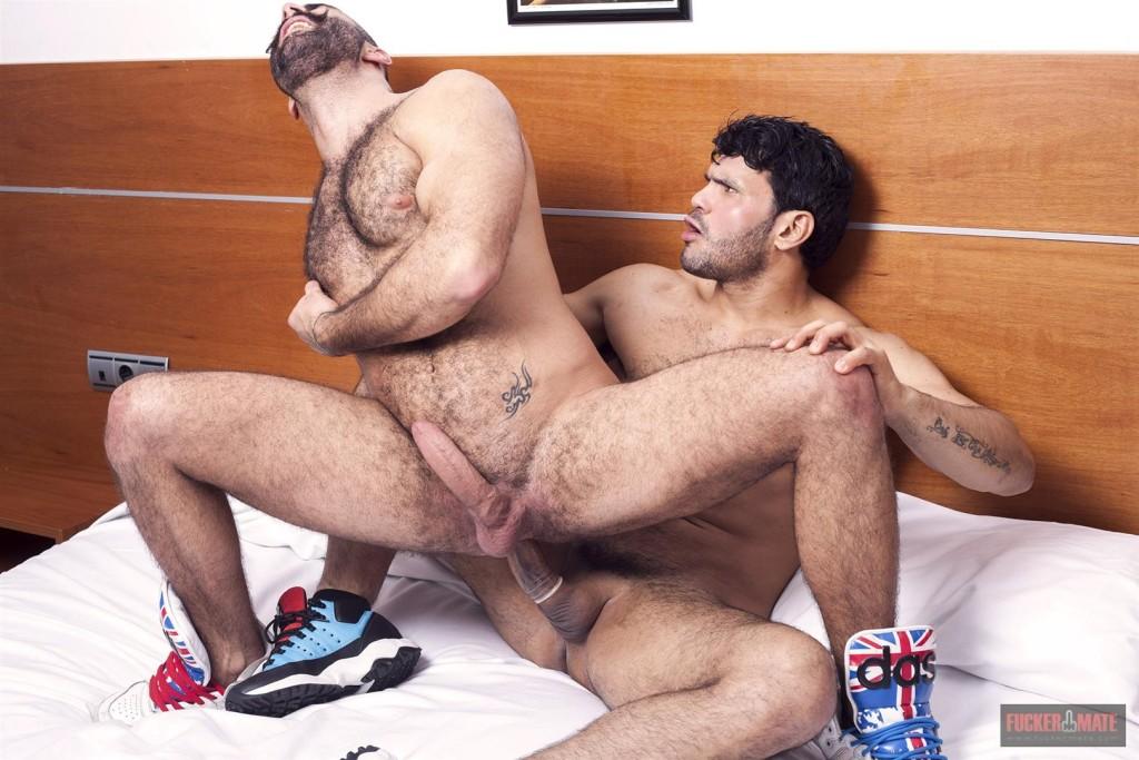 GayBubble - Gay hunks