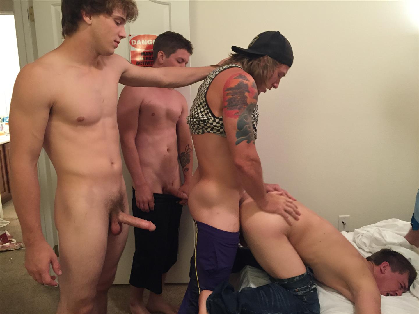 Hot Gay Guys Sucking Banging