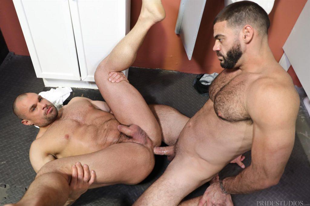 Naked photo men suck at glory hole